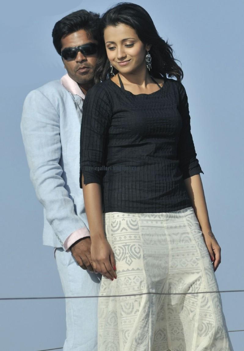 [Vinnai-Thaandi+Varuvaaya-pics-02.jpg]