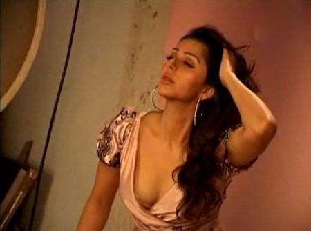 [Bhumika+Chawla+hot+sexy+stills+08.jpg]