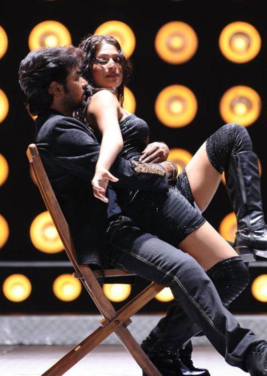 vijayalakshmi hot with jai at adhe neram adhe idam movie stills