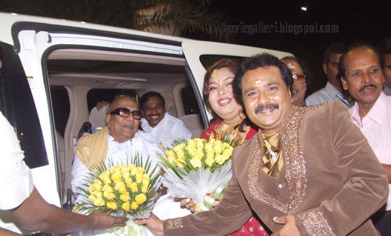 [Tamilnadu-CM-karunanidhi-wishes-Ganesh-Aarthi-wedding-Reception-stills-02.jpg]