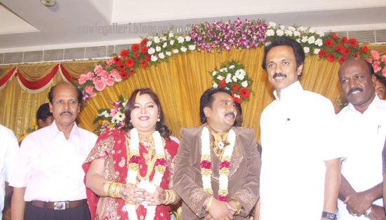 [Tamilnadu-Deputy-CM-MK-Stalin-wishes-Ganesh-Aarthi-wedding-Reception-stills-02.jpg]