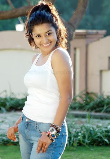 http://2.bp.blogspot.com/_sb9yp2CsJVU/Sx9z3AcMsvI/AAAAAAAAOPY/WBO9m7J4UqM/Meera-Jasmine-Moksha-movie-images-pics-01.jpg