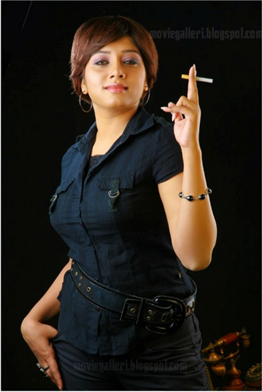 [actress-anu-anchor-kairali-tv-04.jpg]