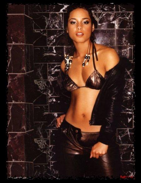 Molesta, Alicia Keys rechaza patrocinio de cigarrera
