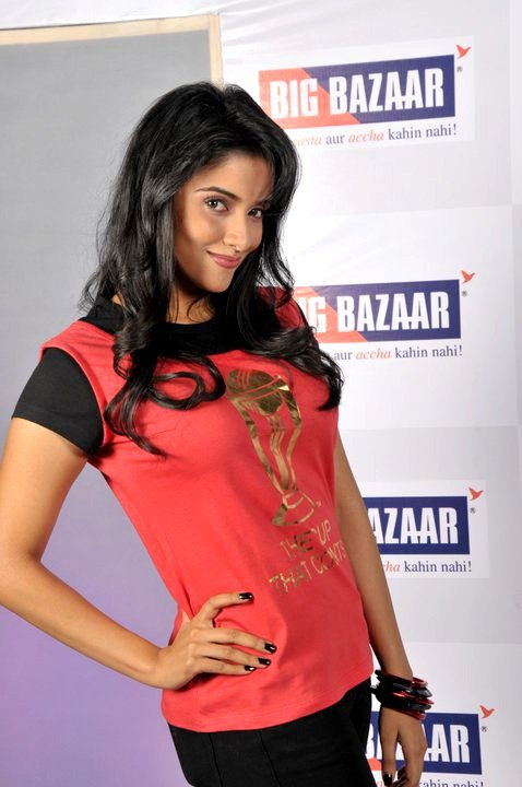 ghajini-fame-indian-actress-asin