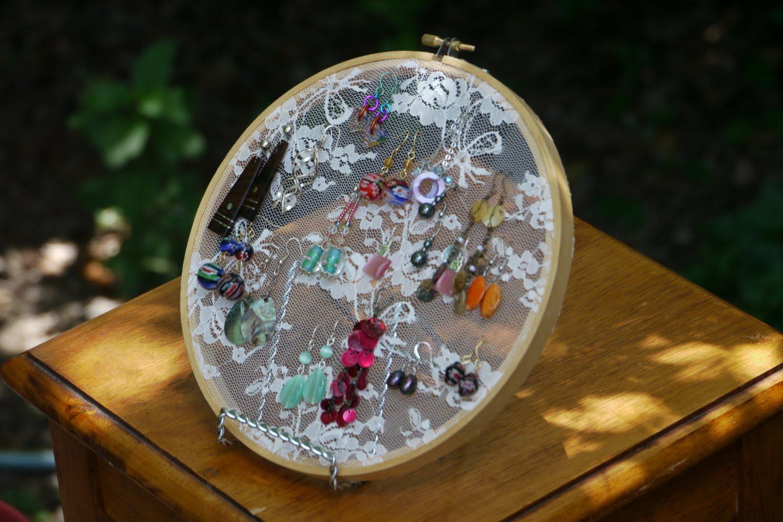 Full of craft embroidery hoop earring holder