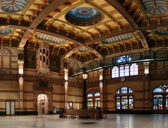 writing sunbeams ten most beautiful train stations in europe. Black Bedroom Furniture Sets. Home Design Ideas