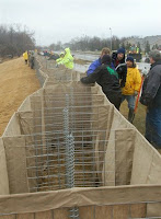 temporary high-tech dikes used in Fargo during 2009