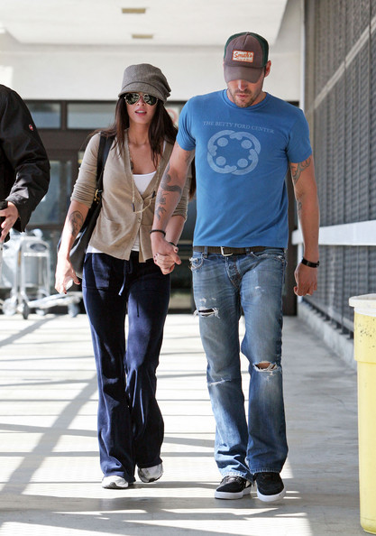 Megan Fox Married To Brian Austin Green. Megan Fox and Brian Austin Green Married..in Hawaii