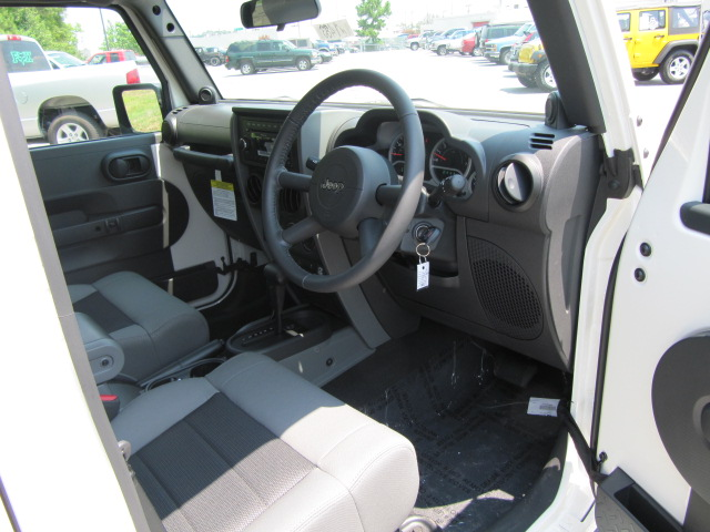 Amazing ***Right Hand Drive Jeep Wrangler Unlimited Sportu0027s***