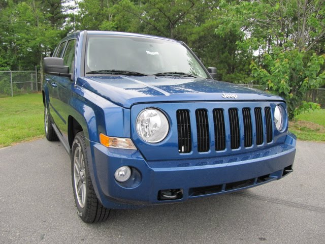 hendrick chrysler jeep why buy a 2010 jeep patriot. Black Bedroom Furniture Sets. Home Design Ideas