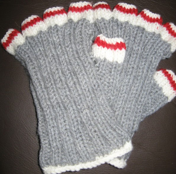 Knitting Pattern For Sock Monkey Mittens : My Knitting Basket: Sock Monkey Fingers Popped Out (wrist warmers)