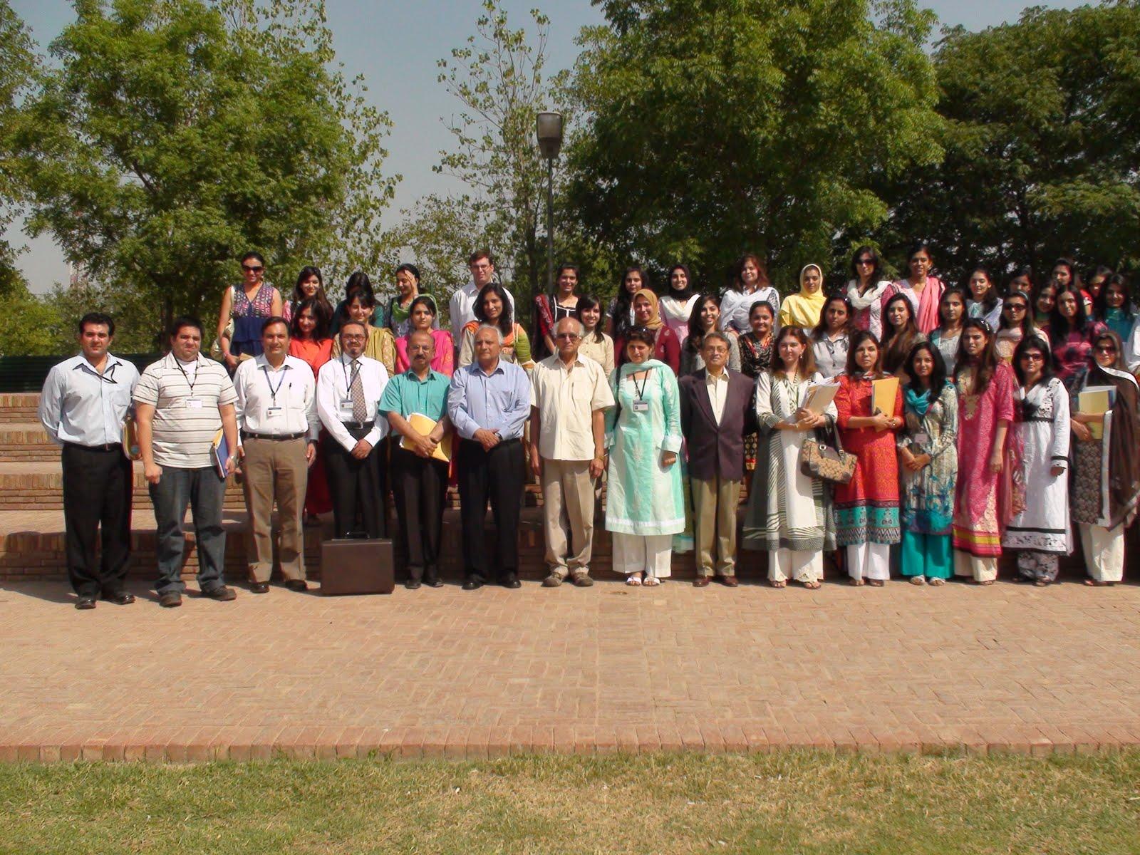 http://2.bp.blogspot.com/_skL30zwqYx8/S_ERKQiRiNI/AAAAAAAAArs/hTpiHIMEsEU/s1600/Lahoreschoolofeconomics.JPG