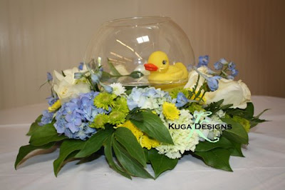 Rubber Duck Baby Shower Centerpieces http://kugab.blogspot.com/2009/06/oh-boy.html