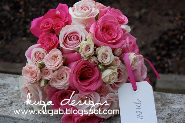 In this bouquet I used Pavoratti roses Rosita Vendellas hot pink spray