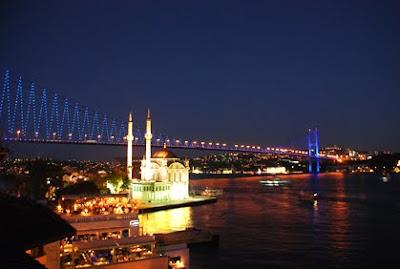 Jembatan Bosphorus di turki at unik-qu.blogspot.com