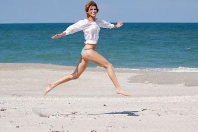 Emagreça nas férias se divertindo na praia