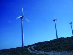 Tο υβριδικό ενεργειακό πάρκο της Iκαρίας στο στάδιο κατασκευής