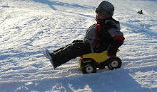 بچه ای در روستای هوپربی - آلاسکا
