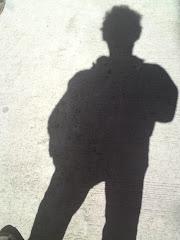 李察自我寫真:太陽明明在腦門上燦燦的照