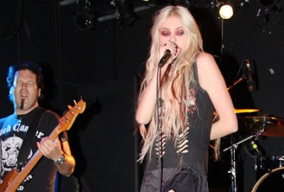 taylor momsen performing in nyc