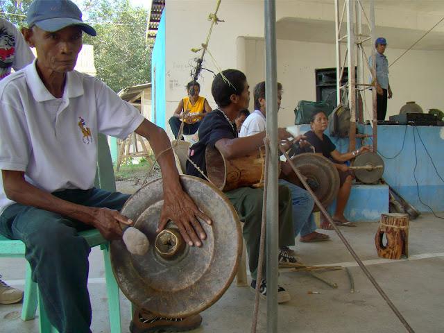 Mga Pangkat Etniko Ng Musical Instruments