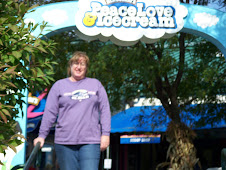Jeri @ entrance to BEN & JERRY'S FACTORY