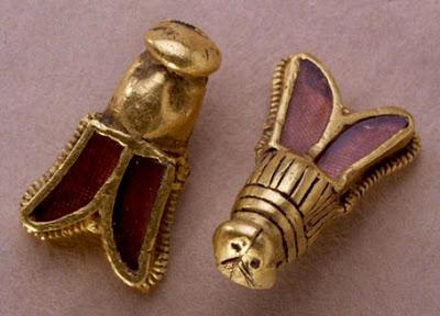 le tombeau de chidèric et son trésor en 1655 Abeilles_childeric
