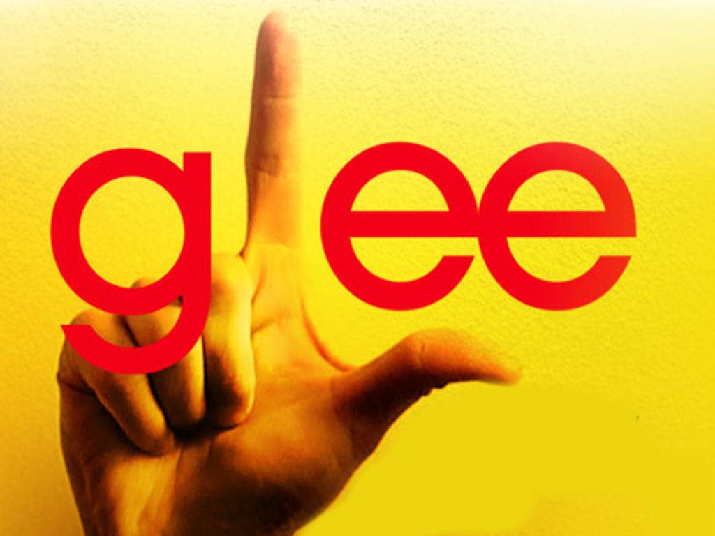 http://2.bp.blogspot.com/_sr3KrxNAiyc/TATXhlm5UuI/AAAAAAAAAxU/tj7FHU72Xco/s1600/Glee-glee-wallpaper.jpg