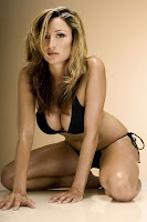 Rebecca Loos Ex David Beckham affair in a black bikini photoshoot pics