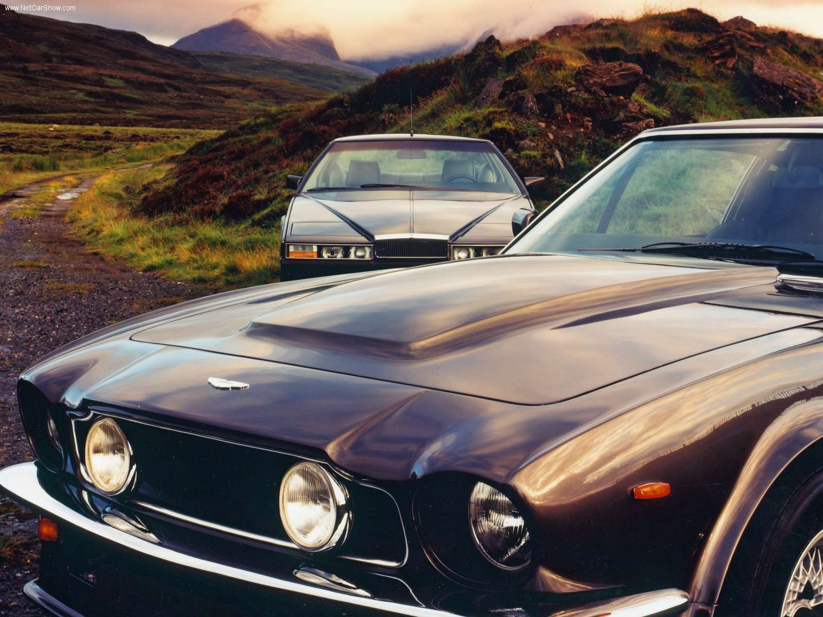 http://2.bp.blogspot.com/_suiHYNm_lag/TNBKLMiIQkI/AAAAAAAACjg/BuB39M0aWm4/s1600/Aston_Martin-Lagonda_1976_1600x1200_wallpaper_06.jpg