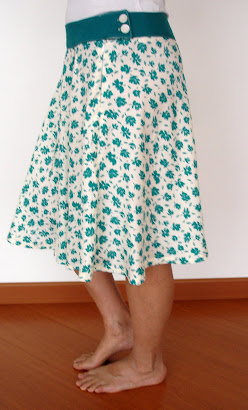 Falda rotonda de flores - Abril 10