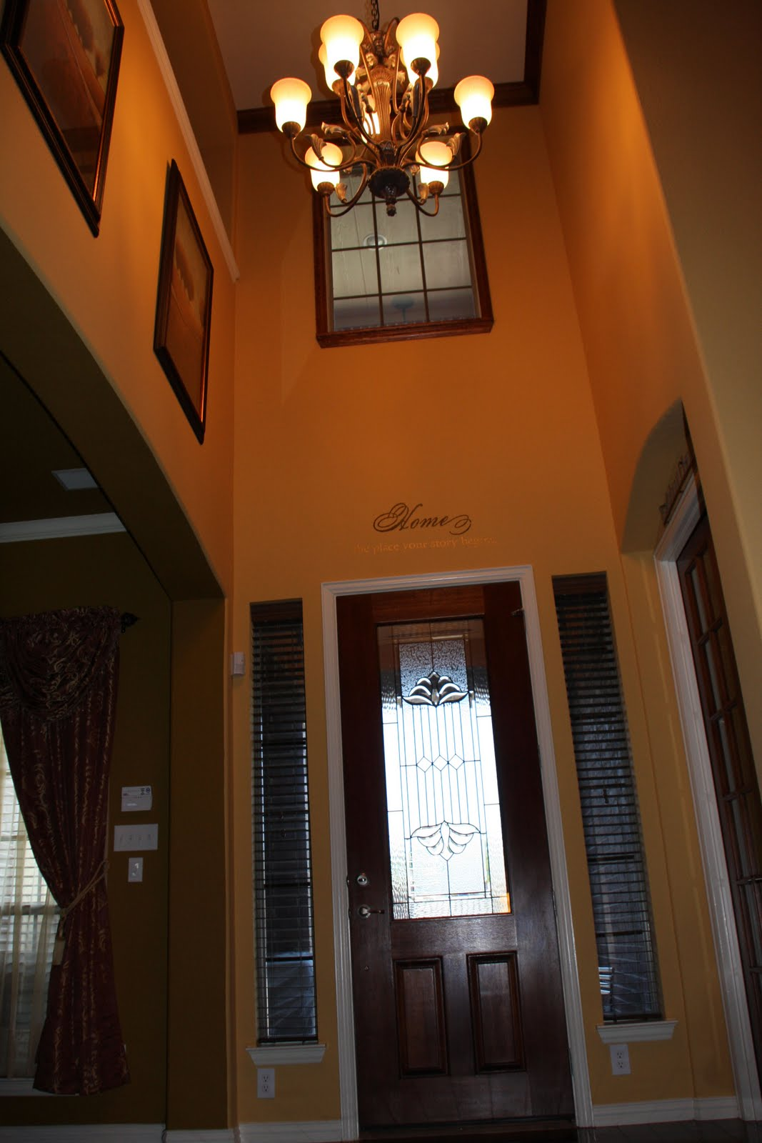 PAPER TRAILS AND SCATTERED PICTURES: SHOW US YOUR FOYER AND ENTRY WAYS