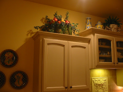 Kristen's Creations: Decorating Kitchen Cabinet Tops