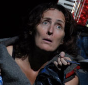 Fiona Shaw e Harry Melling estão atuando juntos em uma peça teatral