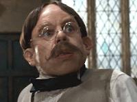 Warwick Davis comenta mudança no visual de seus personagens em 'Harry Potter'