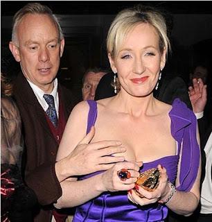 Fotos do Colin #5: Em público não, Rowling!