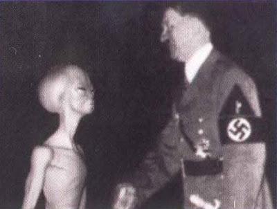 http://2.bp.blogspot.com/_szLhUF1v5IM/TDdGuAeYyFI/AAAAAAAAAuM/oR5yRSr7-a0/s200/Hitler_With_Alien_Ufo_Vril_Haunebu_Ww2_Nazi.jpg