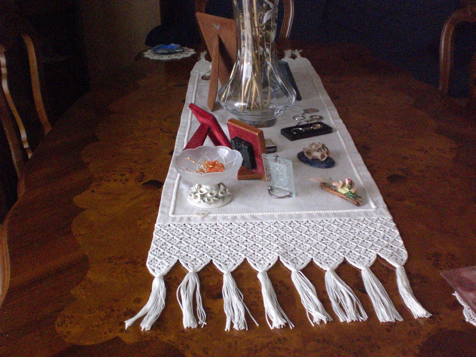 Uncinetto&Ricamo: STRISCE PER IL TAVOLO