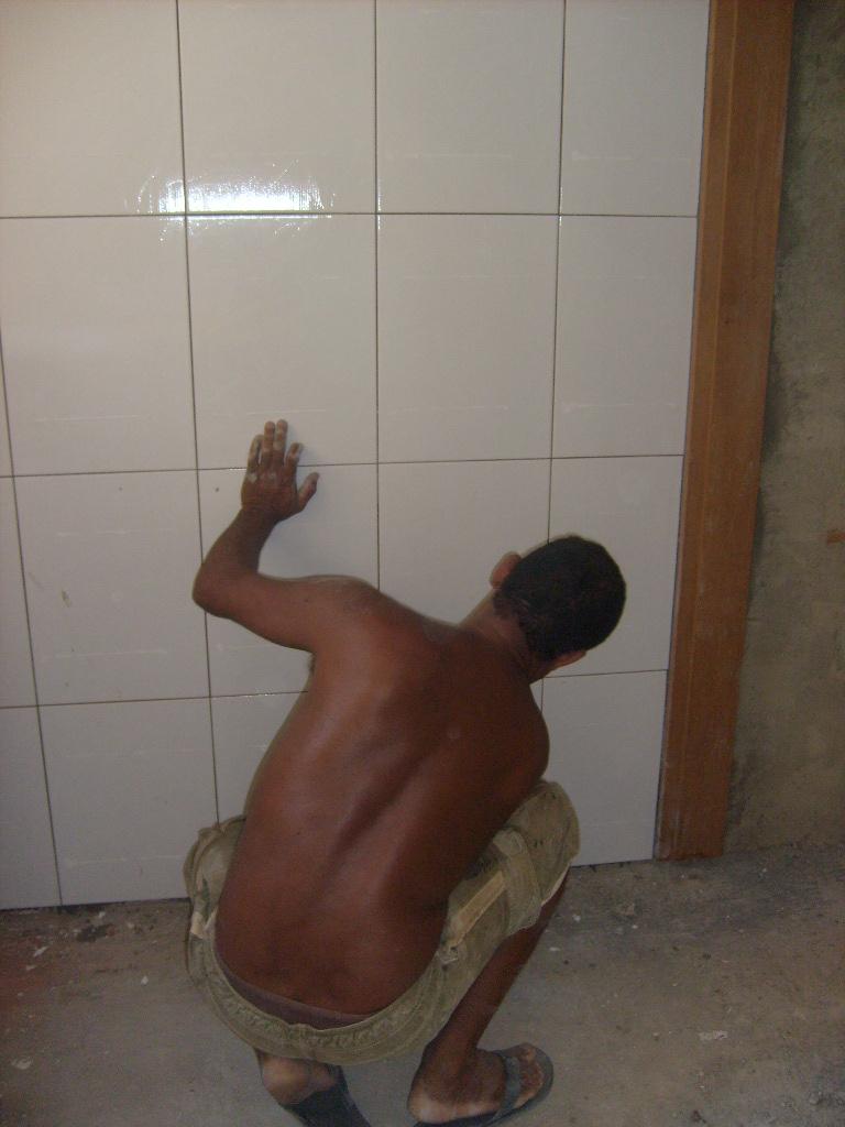 A Casa da Grande Familia: Lavanderia e banheiro dos meninos - em ...