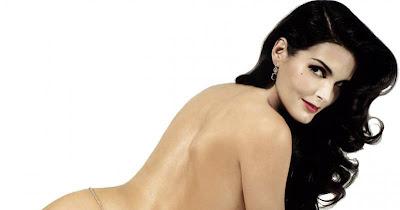 Angie Harmon en topless