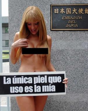Vanesa Carbone, desnuda por PETA