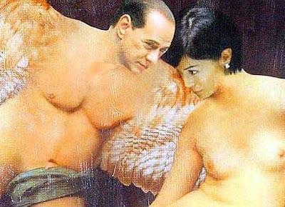 'Pintan' a Berlusconi como un ángel desnudo enamorado de una ministra