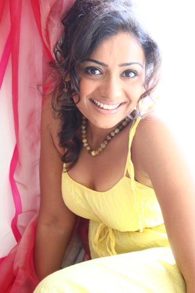 meera vasudevan hot photos