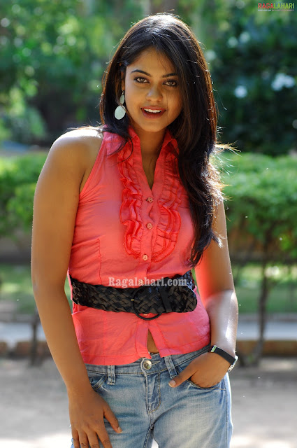 bindu madhavi in bumper offer