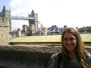 Next I crossed the famous Tower Bridge. It is the most beautiful bridge I . (towerbridge)