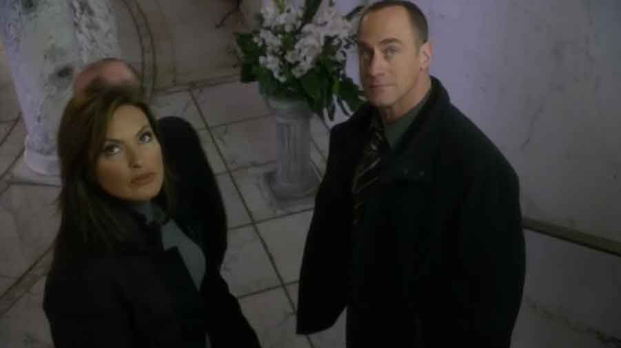 Later, Benson and Stabler are