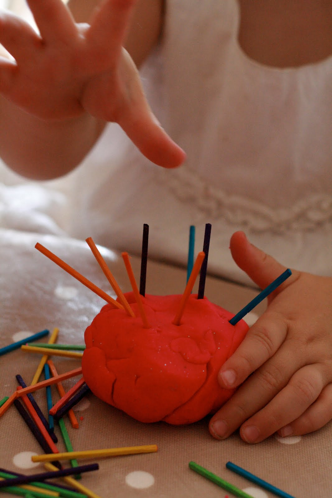 Play dough the imagination tree for Playdough fine motor skills