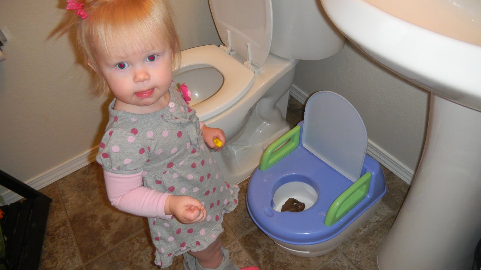Girls toilet shit