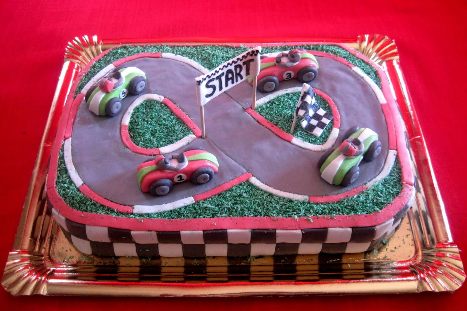 Esta Tarta Cumpleanos Para Ninos Encanta Los Coches Carrera